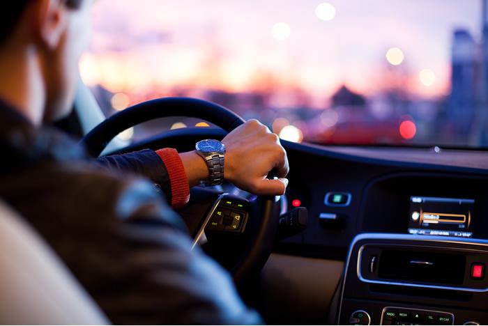 Cuidados para dirigir com mais seguranca