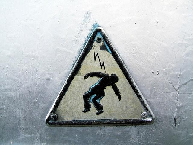 Alerta de perigo eletricidade - NR 10