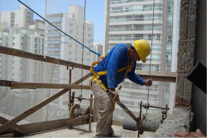97530b2ef3a21 NR18 - 5 dicas de segurança para Construção Civil
